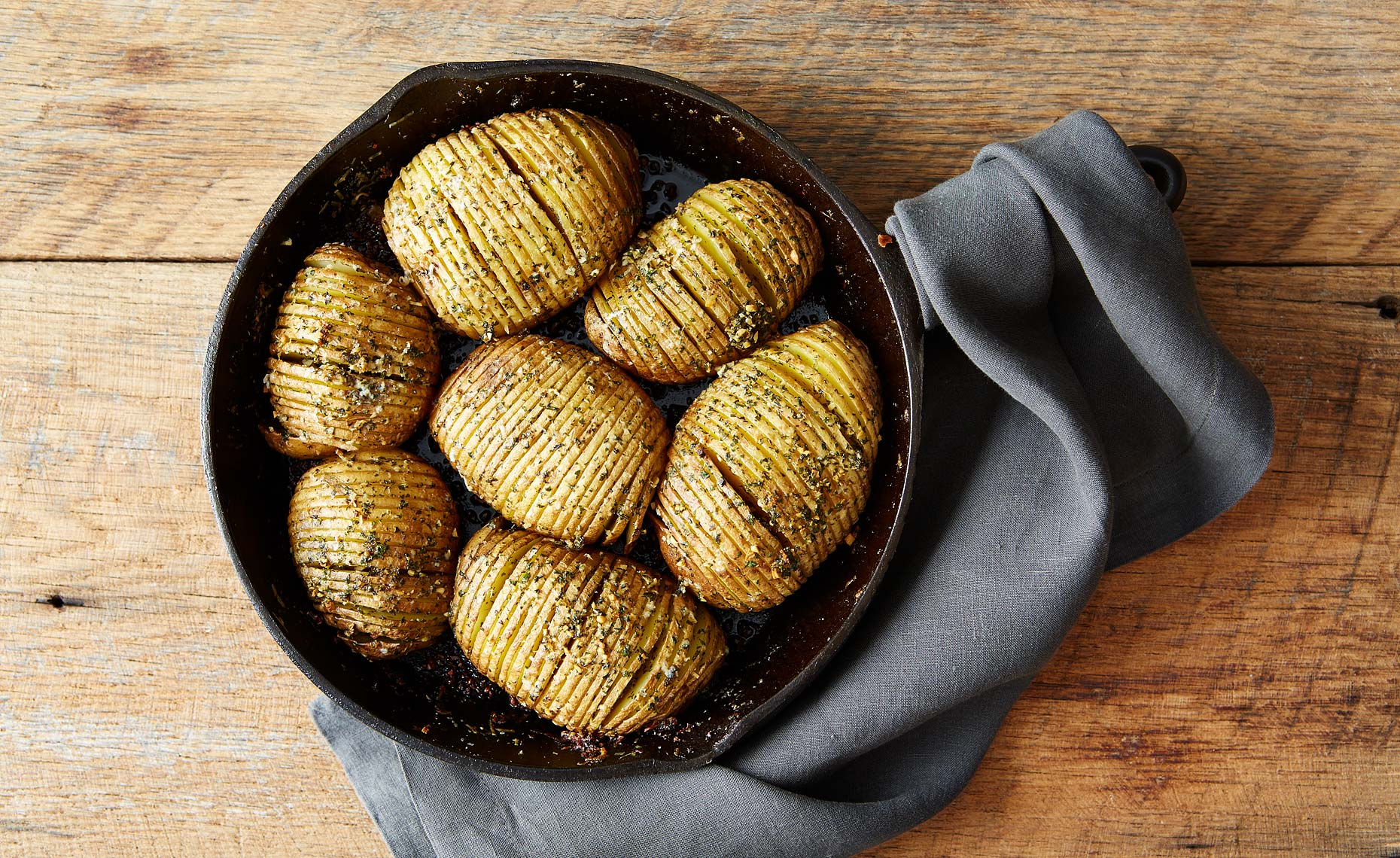 044_2015-0210_hasselback-potatoes-mark-weinberg-325