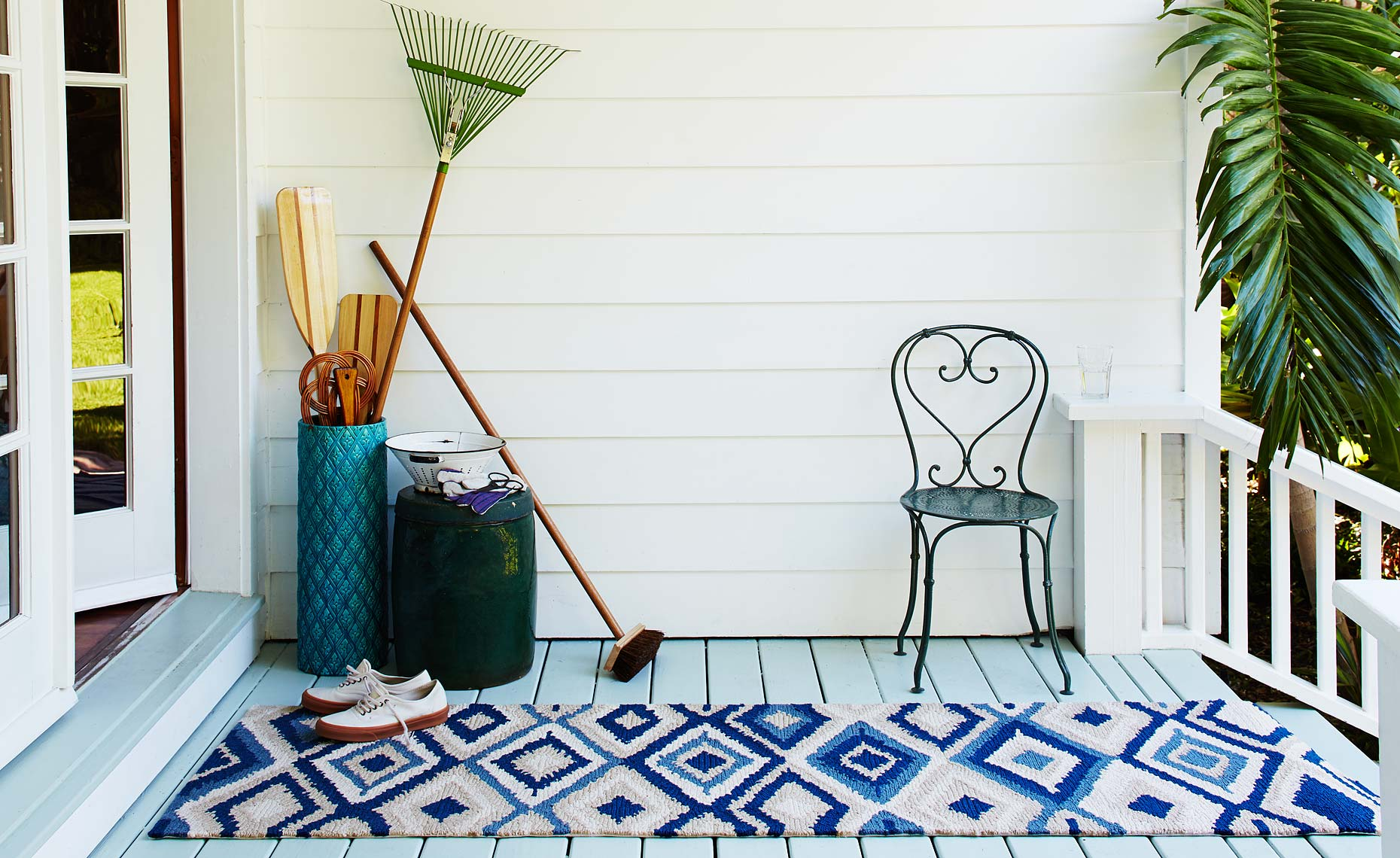 064_FULL-FRAME_00000_HEAD_RUG-PORCH-SHOT_1649