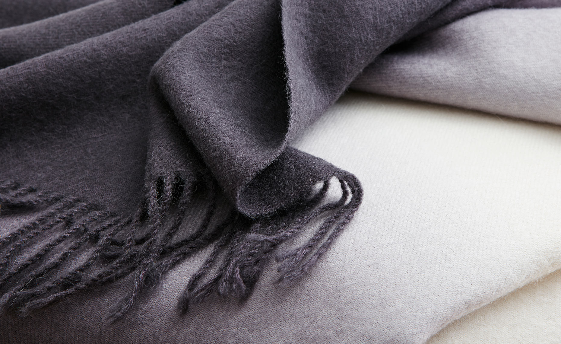 136_12101-charcoal-dip-dyed-alpaca-throw-0123